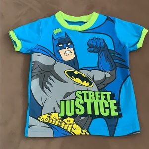 Batman size 2T kids shirt